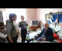 Одиноким пенсионерам – заботу и внимание